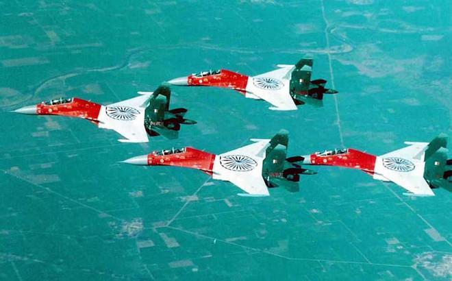 Tiết lộ mới nhất: Su-30MKI Ấn Độ xuất sắc đánh bại tên lửa Mỹ trang bị cho F-16 Pakistan