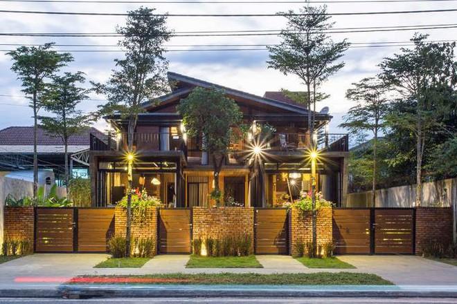 Kiến trúc sư kể chuyện xây 2 căn biệt thự liền kề ở Đà Nẵng cho đôi bạn thân từ trẻ sống cạnh nhau đến cuối đời - Ảnh 1.