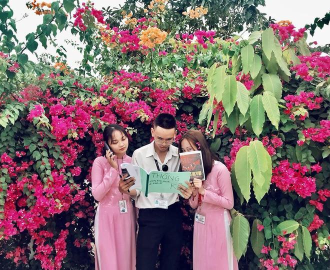 Chụp cả trăm kiểu đều đẹp, đây là giàn hoa được dân sống ảo truy lùng tại một trường đại học ở Việt Nam - Ảnh 11.