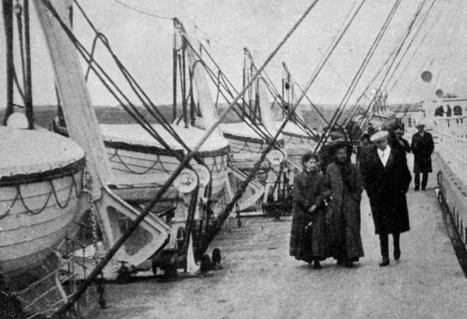 Những bức ảnh chưa từng công bố về vụ chìm tàu Titanic thảm khốc - Ảnh 3.