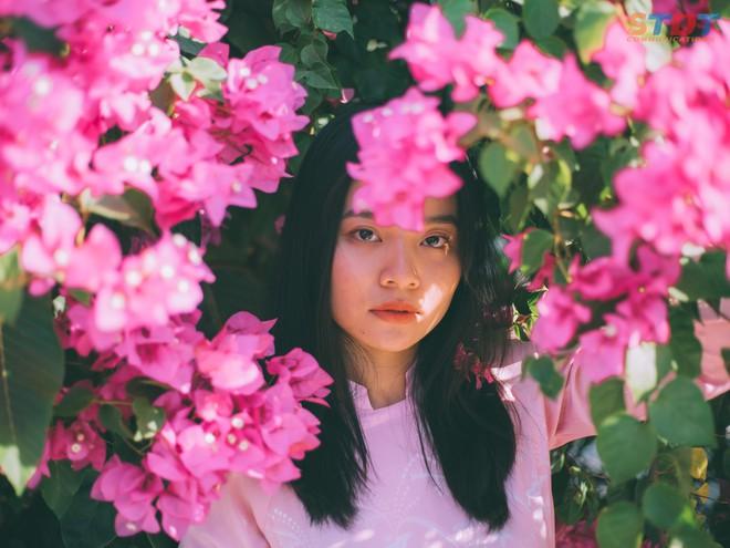 Chụp cả trăm kiểu đều đẹp, đây là giàn hoa được dân sống ảo truy lùng tại một trường đại học ở Việt Nam - Ảnh 4.