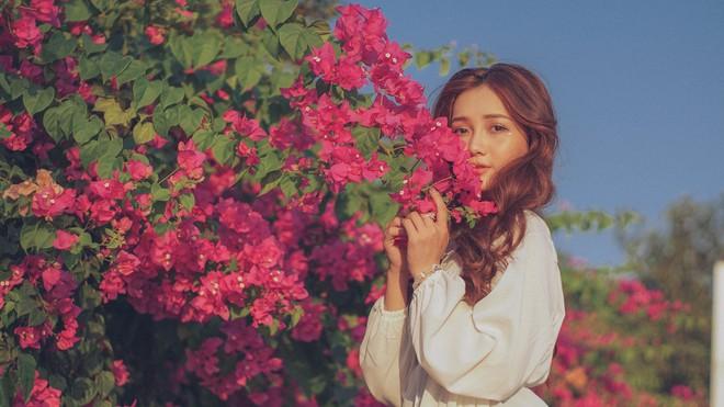Chụp cả trăm kiểu đều đẹp, đây là giàn hoa được dân sống ảo truy lùng tại một trường đại học ở Việt Nam - Ảnh 6.