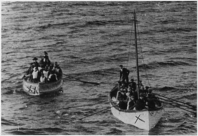Những bức ảnh chưa từng công bố về vụ chìm tàu Titanic thảm khốc - Ảnh 7.