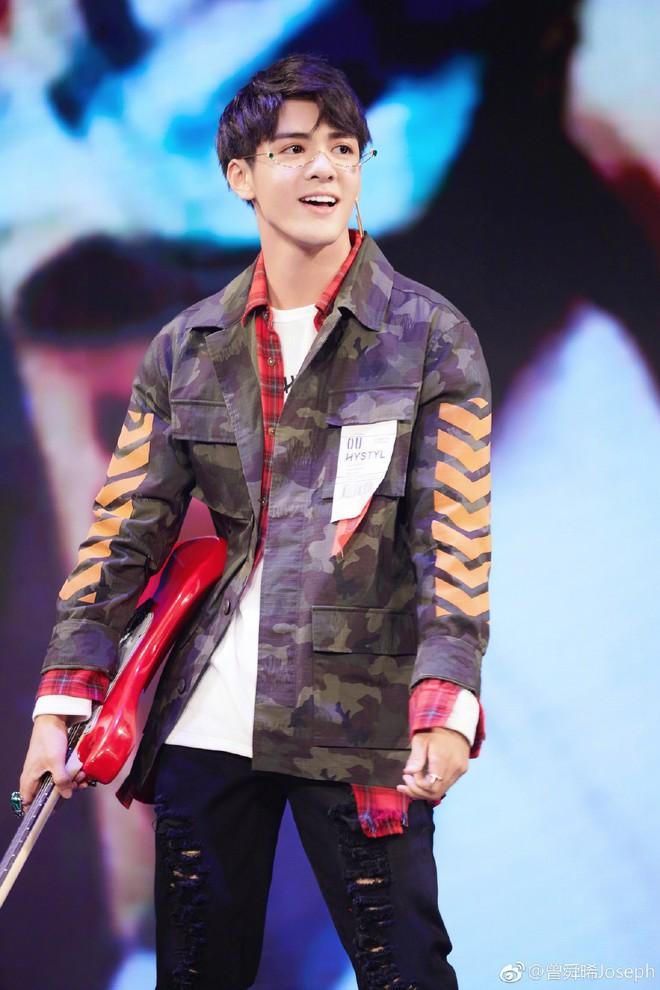 Dàn cast Tân Ỷ Thiên Đồ Long Ký 2019: Người vướng tin đồn thẩm mỹ, kẻ lộ ảnh qua đêm cùng gà cưng Triệu Lệ Dĩnh - Ảnh 5.