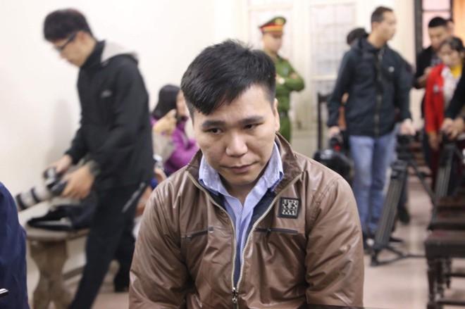 Hình ảnh ca sĩ Châu Việt Cường xuất hiện tại tòa sau 1 năm tạm giam - Ảnh 8.