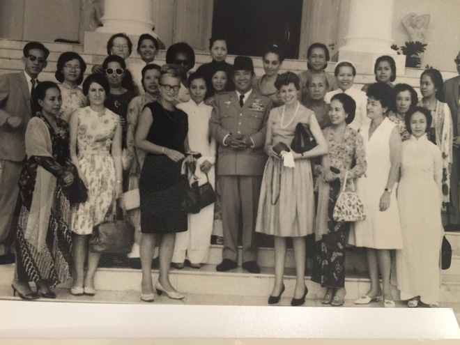 Lời hẹn Sẽ gặp lại nhau khi hòa bình giữa nguyên Phó Chủ tịch nước Nguyễn Thị Bình và nữ luật sư người Mỹ - Ảnh 1.