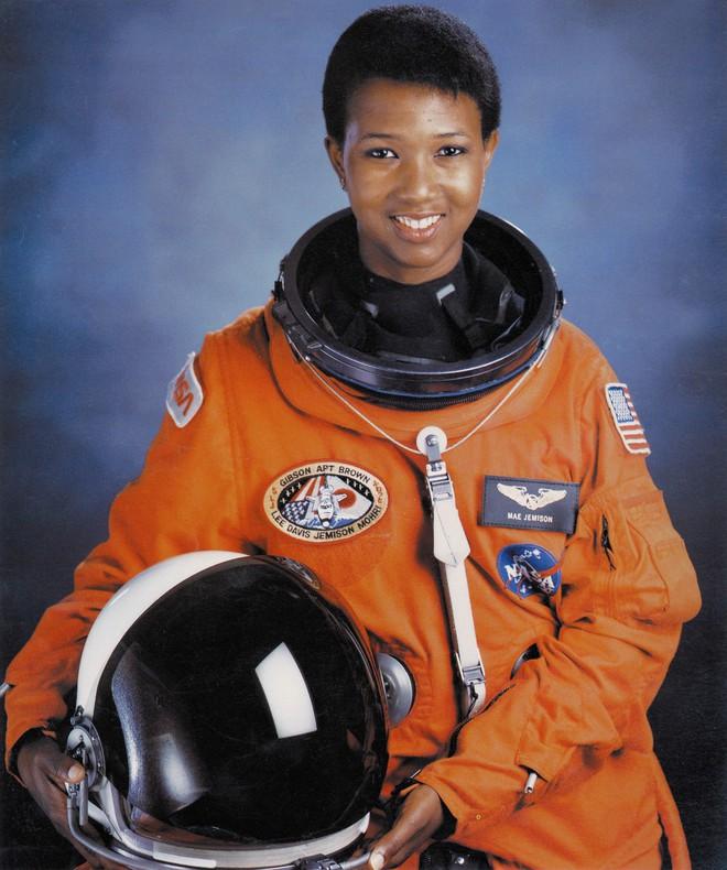 Google vinh danh nữ phi hành gia Mỹ: Người xác lập 2 kỷ lục đầu tiên trên thế giới - Ảnh 3.