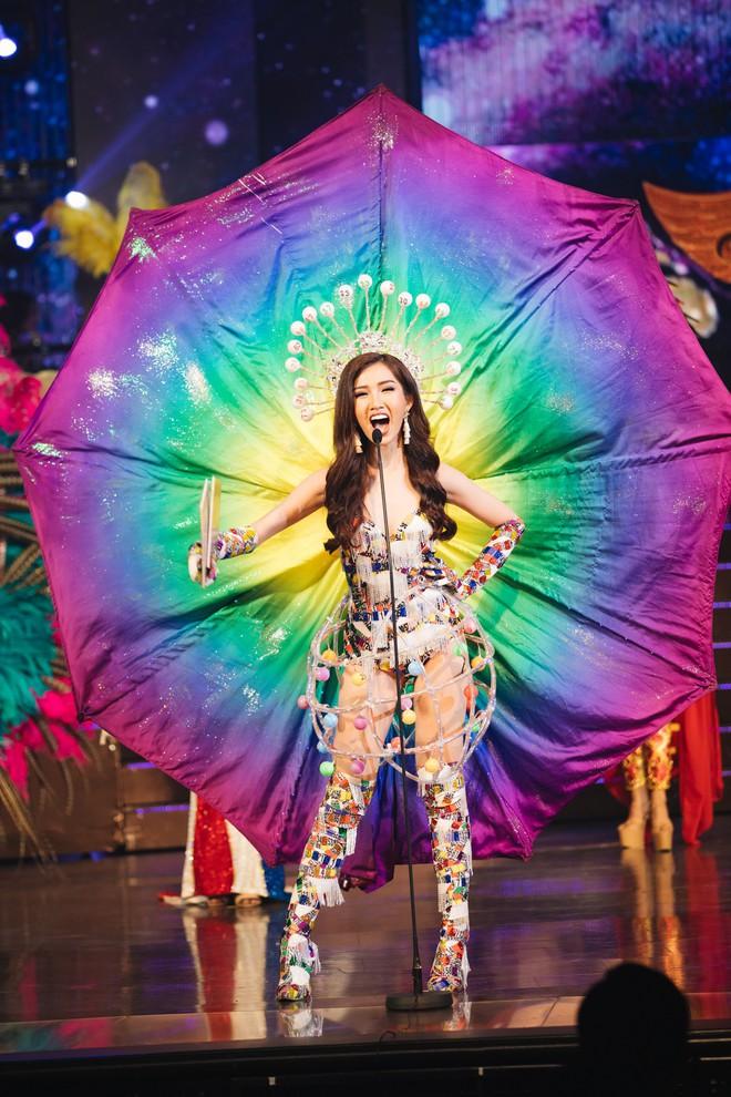 Đại diện Việt Nam - Đỗ Nhật Hà dừng chân tại Top 6 trong đêm Chung kết Hoa hậu Chuyển giới Quốc tế 2019 - Ảnh 2.