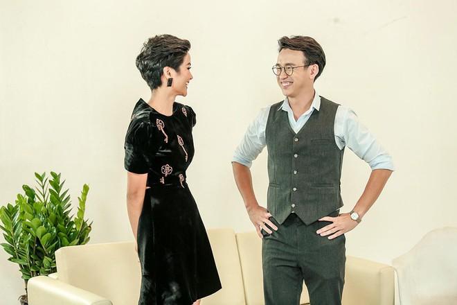 Đăng Khôi nấu ăn cho vợ, Quang Bảo ga lăng hết cỡ với H'Hen Niê trong ngày 8/3 - Ảnh 5.