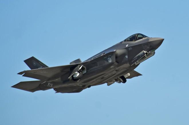 Sợ S-400 Nga, Mỹ giam lỏng tiêm kích F-35 Thổ Nhĩ Kỳ: Cú đánh trực diện đầu tiên? - Ảnh 1.