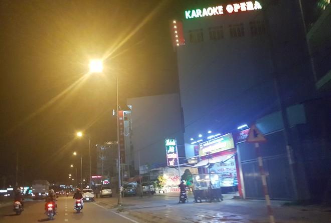 Tình tiết mới vụ trung tá tử vong, sau khi té cầu thang trong quán karaoke - Ảnh 1.