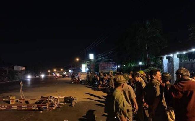 Nam thanh niên chết thảm khi lao vào rào chắn công trình trong đêm