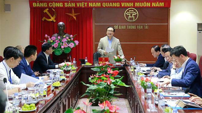 Giám đốc Sở Giao thông vận tải Hà Nội: Cấm được xe máy càng sớm càng tốt - Ảnh 1.