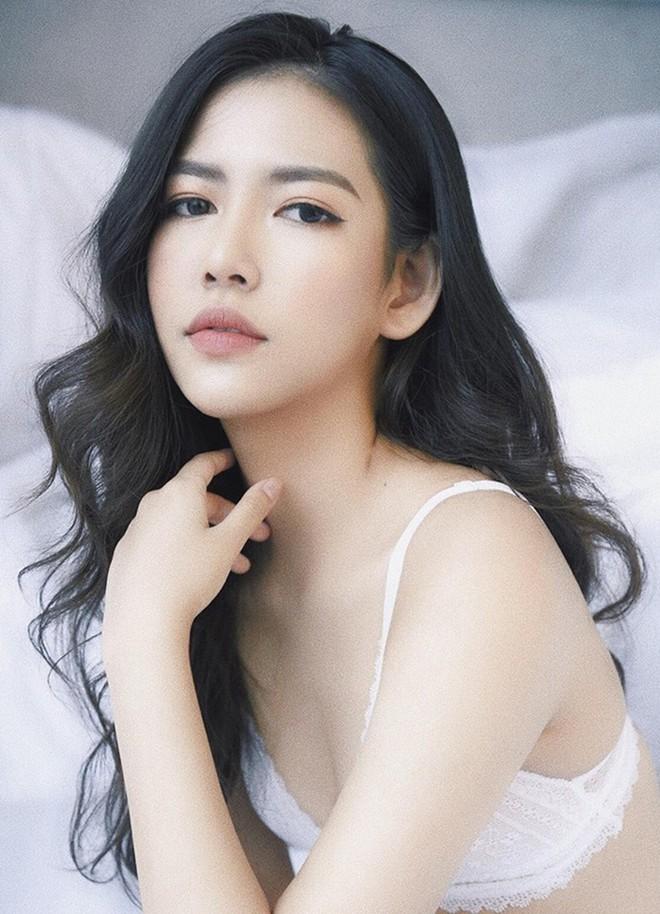 Cuộc sống ngậm thìa vàng từ khi sinh ra của 10x Quảng Bình xinh đẹp - Ảnh 3.