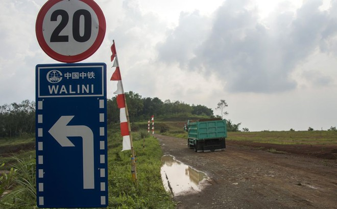 Ngỡ là niềm tự hào, dự án đường sắt cao tốc với TQ trở thành điểm bị công kích của TT Indonesia sát bầu cử