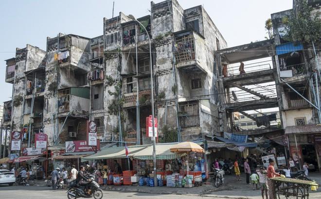 """Dân nghèo Campuchia """"khóc ròng"""" vì dự án sòng bạc trị giá 4 tỉ USD phục vụ người Trung Quốc"""