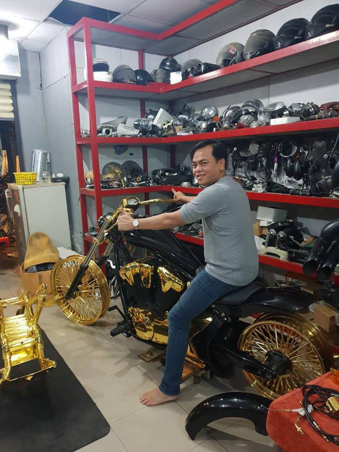 3 mô tô khủng mạ vàng 10 tỷ đồng của Phúc XO - người đeo nhiều vàng nhất Việt Nam - Ảnh 3.