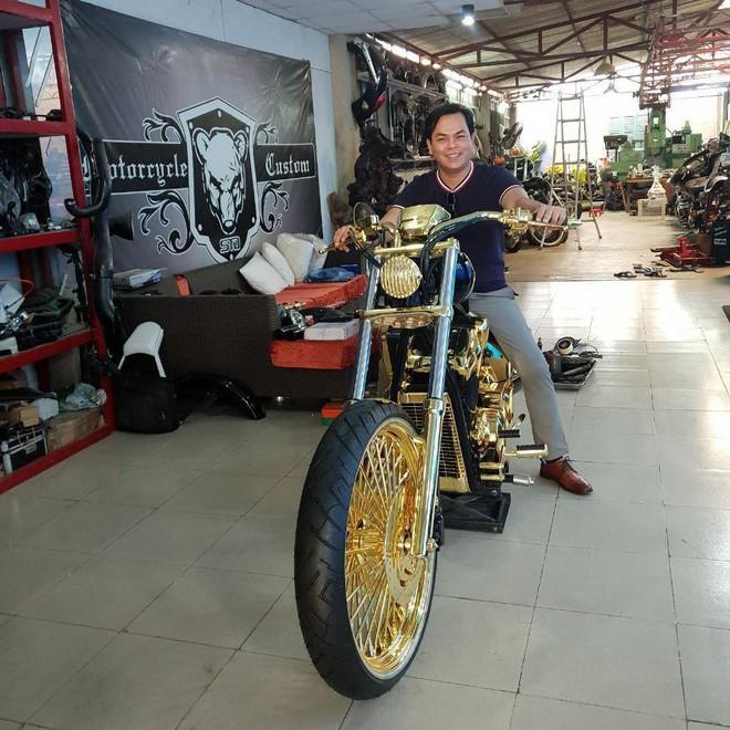 3 mô tô khủng mạ vàng 10 tỷ đồng của Phúc XO - người đeo nhiều vàng nhất Việt Nam - Ảnh 5.