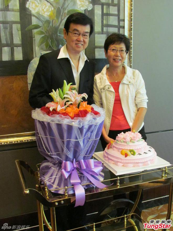 Quyền lực khủng của ông trùm Hong Kong được mỹ nữ vây kín, chúc tụng mừng thọ 73 tuổi - Ảnh 5.