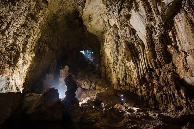 Khám phá vẻ đẹp kỳ ảo bên trong hang Sơn Đoòng - Ảnh 9.