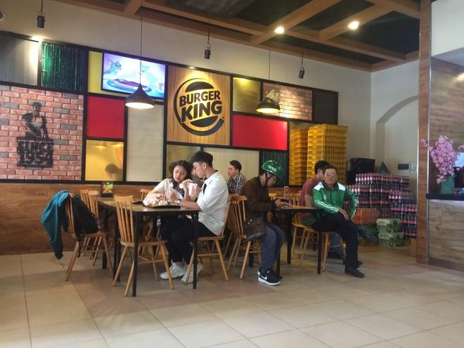 Burger King Hà Nội kinh doanh thế nào trong tâm bão tẩy chay trên mạng xã hội? - Ảnh 4.