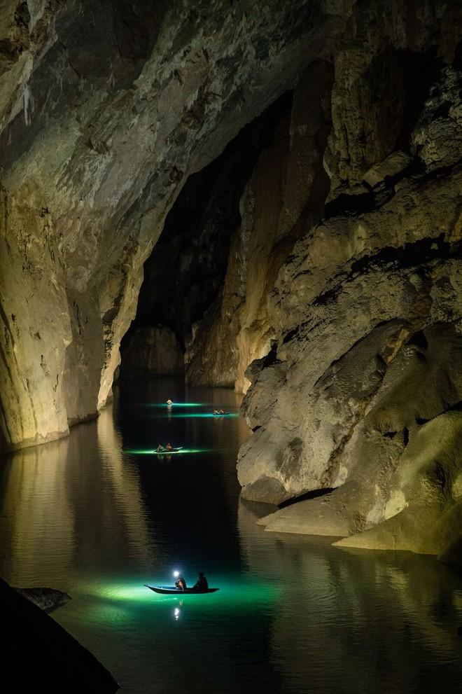 Khám phá vẻ đẹp kỳ ảo bên trong hang Sơn Đoòng - Ảnh 3.
