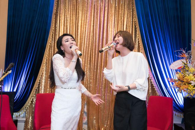 Hồ Quỳnh Hương đi chân đất hát song ca cùng Văn Mai Hương - Ảnh 7.