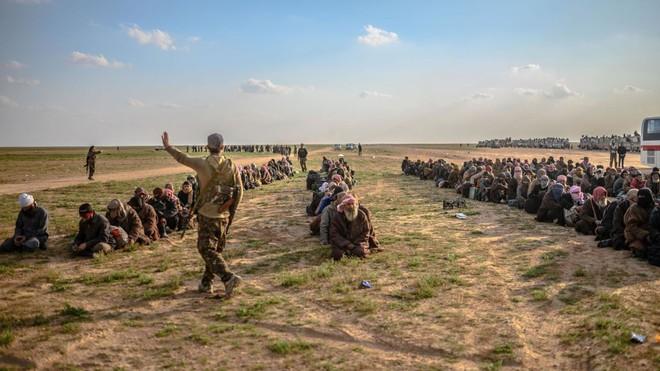 Mỹ sẽ chi tiền nuôi chiến binh IS ở Iraq: Tương lai nào cho Trung Đông? - Ảnh 2.