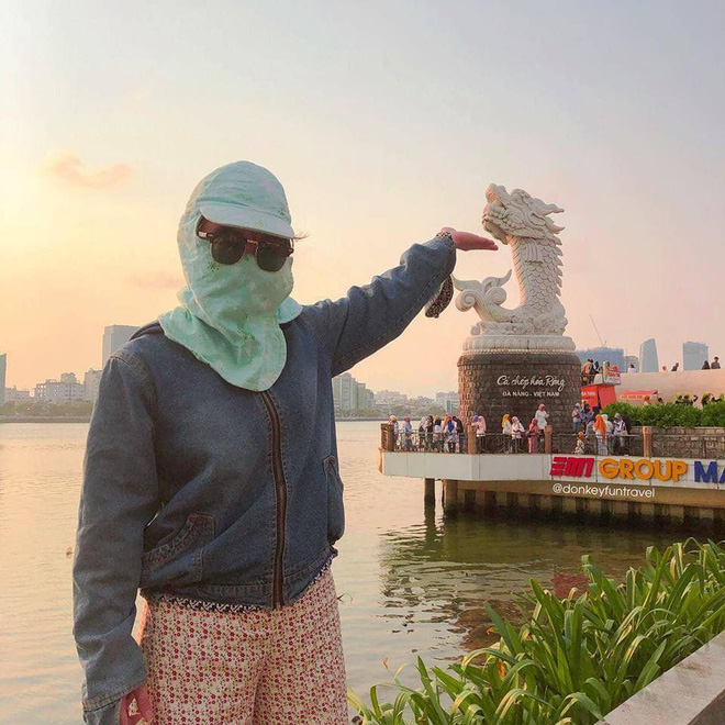 Không có xe tay ga nhưng ninja vẫn giữ nguyên phong cách, chụp ảnh du lịch hè mà bưng bít từ đầu đến chân - Ảnh 2.