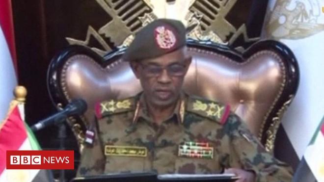 Đảo chính quân sự Sudan: Quân đội bắt giữ Tổng thống, tuyên bố giải tán chính phủ - Ảnh 2.