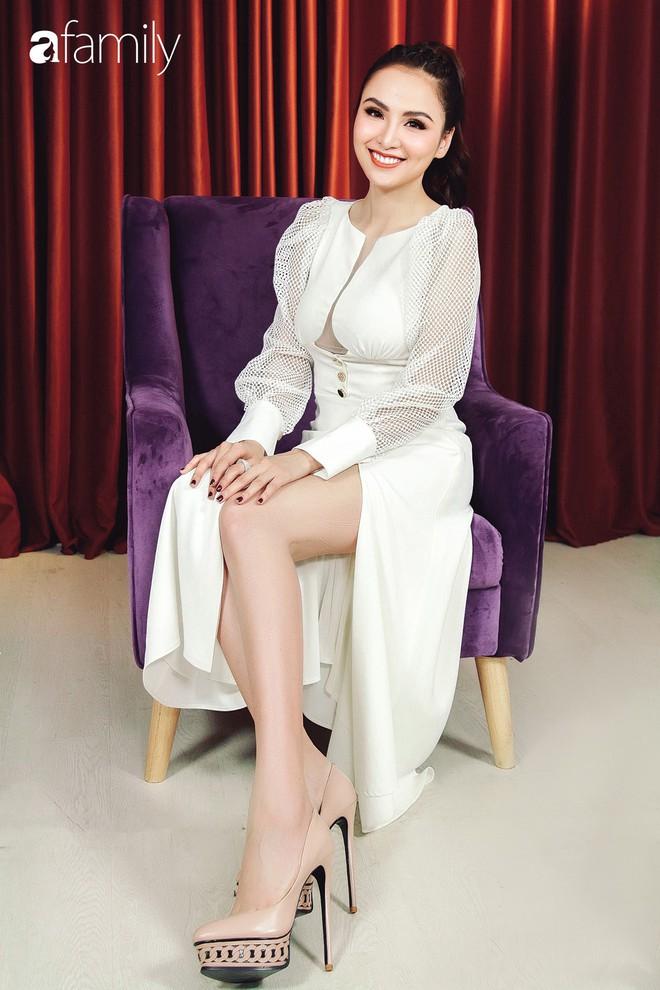 Hoa hậu Diễm Hương: Chồng nào cũng bảo nếu em đừng làm ra tiền thì đã dễ dạy hơn - Ảnh 13.
