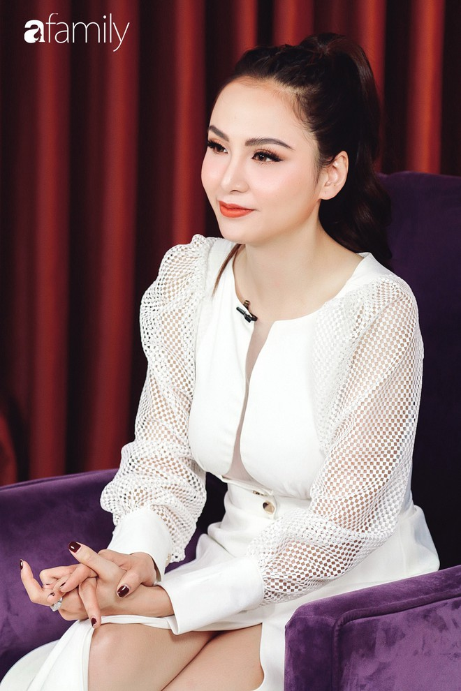 Hoa hậu Diễm Hương: Chồng nào cũng bảo nếu em đừng làm ra tiền thì đã dễ dạy hơn - Ảnh 4.