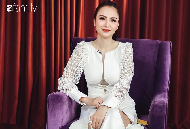 Hoa hậu Diễm Hương: Chồng nào cũng bảo nếu em đừng làm ra tiền thì đã dễ dạy hơn - Ảnh 8.