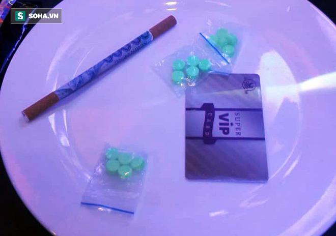 Phát hiện chất nghi là ma túy tại nơi ở của Phúc XO và em trai - Ảnh 3.