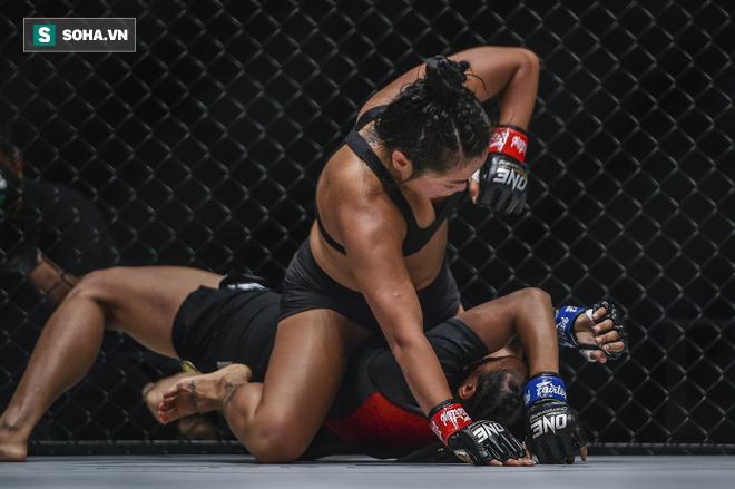 Người đẹp gốc Việt hạ gục đối thủ Indonesia ở sàn MMA danh giá nhất châu Á - Ảnh 2.