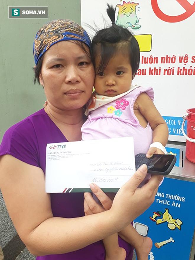 Trao tặng tiền ủng hộ chị Trần Thị Nhuần và bé Minh Châu - Ảnh 5.