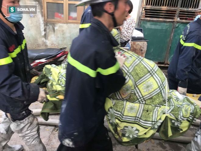 Hiện trường vụ cháy 4 xưởng trong đêm khiến 8 người chết và mất tích ở Hà Nội - Ảnh 3.