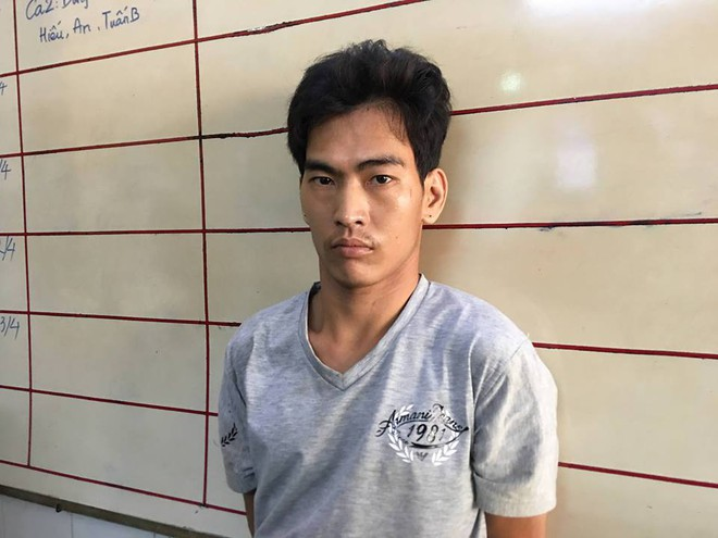 Tạm giữ đối tượng hiếp dâm, dâm ô 2 bé gái ở công viên Sài Gòn - Ảnh 1.