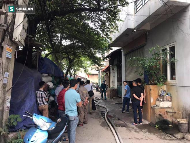 Hiện trường vụ cháy 4 xưởng trong đêm khiến 8 người chết và mất tích ở Hà Nội - Ảnh 12.