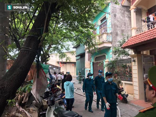Hiện trường vụ cháy 4 xưởng trong đêm khiến 8 người chết và mất tích ở Hà Nội - Ảnh 13.