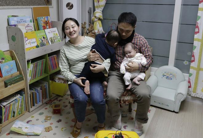 Cách tính tuổi kỳ lạ ở Hàn Quốc: Có những em bé mới sinh bỗng nhiên đã trở thành trẻ 2 tuổi - Ảnh 4.