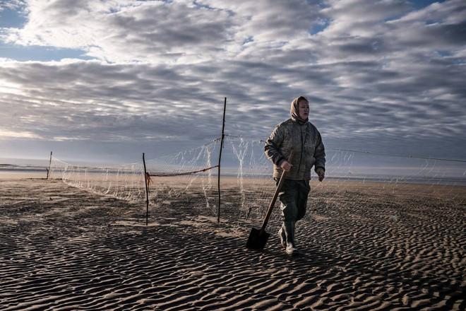 Khám phá ngôi làng Nga 'biến mất' mỗi khi gió to, người dân không ai dám đóng cửa vào ban đêm - Ảnh 8.