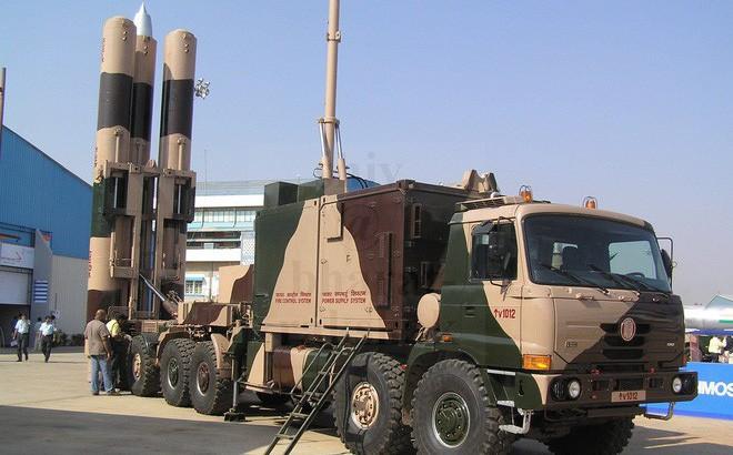 """Trung Quốc """"choáng váng"""" khi tên lửa BrahMos-ER Ấn Độ đạt tầm bắn 900 km"""