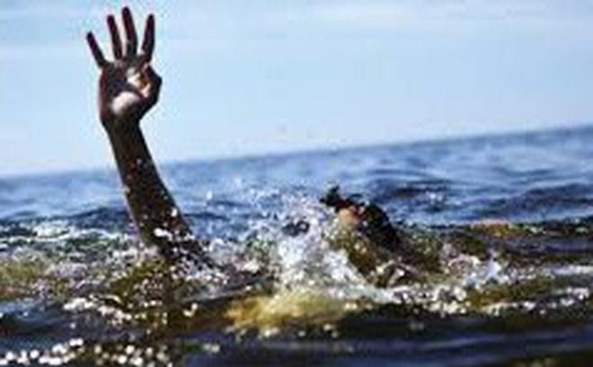 Bị phát hiện đánh bạc, người đàn ông nhảy xuống sông bỏ trốn dẫn đến tử vong