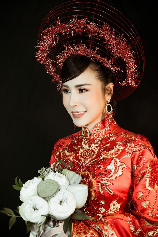 Hoa hậu Hoàng Dung e ấp và hạnh phúc trong ngày Vu quy - Ảnh 4.