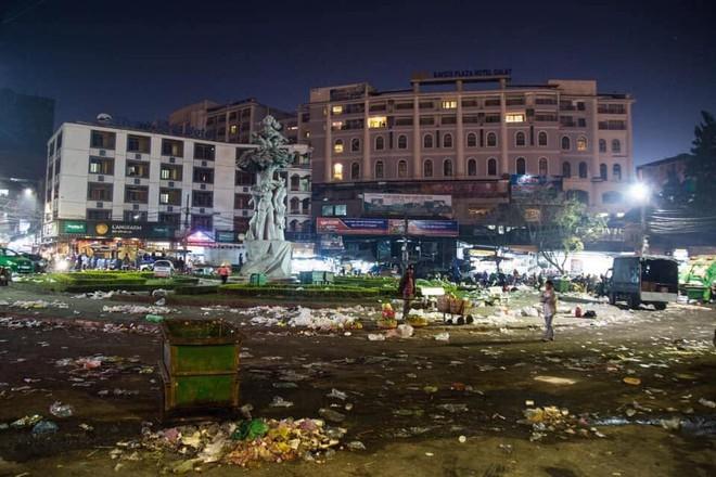 Đà Lạt - thành phố ngàn hoa ngập ngụa rác sau kỳ nghỉ lễ - Ảnh 3.