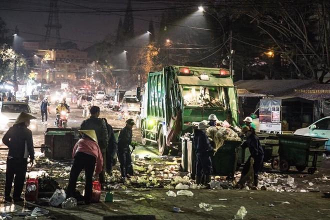 Đà Lạt - thành phố ngàn hoa ngập ngụa rác sau kỳ nghỉ lễ - Ảnh 9.