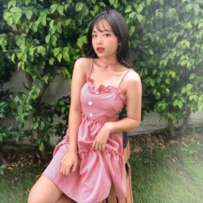 Nữ thần đồng phục trường Trần Phú (TP.HCM): Ngây thơ và cuốn hút chỉ cách nhau một tích tắc - Ảnh 3.
