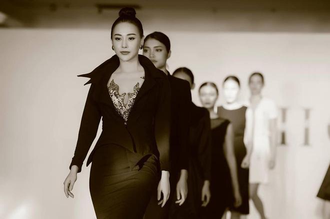 Quỳnh búp bê Phương Oanh tái xuất sàn catwalk, trình diễn ấn tượng - Ảnh 5.