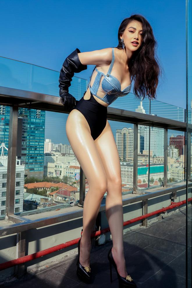 Hoa hậu Phương Khánh tung loạt ảnh mặc bikini nóng bỏng - Ảnh 5.